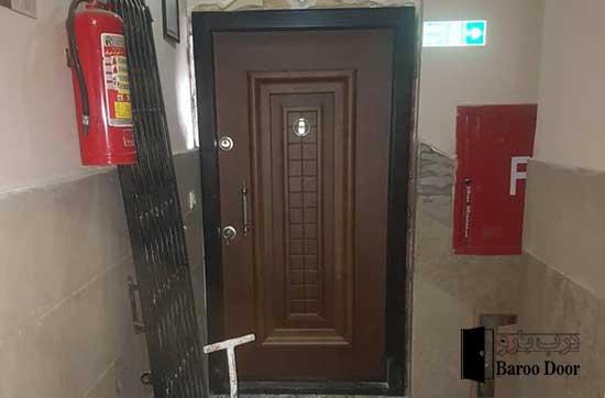نصب درب پروژه مجتمع مسکونی - اداری شرق تهران